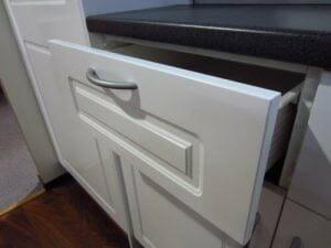 polyurethane kitchen cabinet