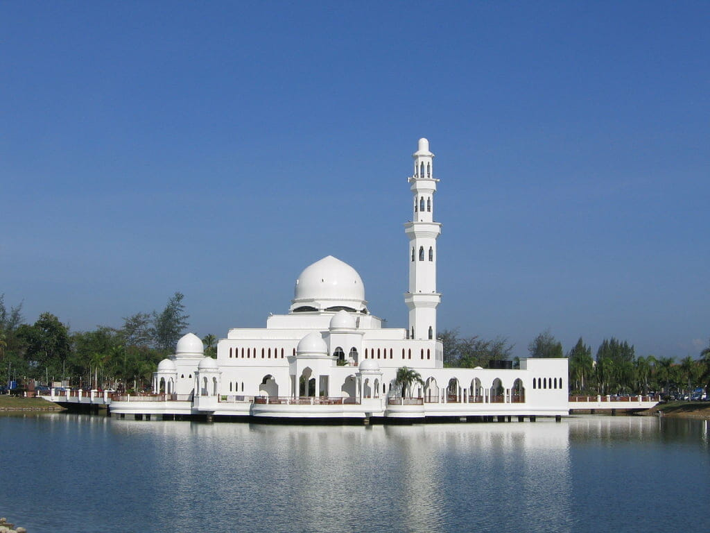 10 MOSQUE ARCHITECTURE IN MALAYSIA 8